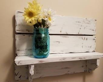 Rustic home decor, Pallet shelf,  Bathroom Shelf, kitchen shelf, farmhouse decor, country western decor, wood shelf, Rustic Home Decor