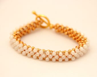 Beaded bracelet with white crystal beads
