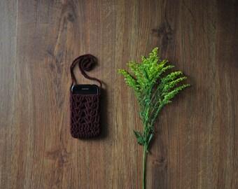 burgundy cellphone case / hand knit smartphone bag / crochet cell phone sleeve