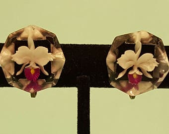Lovely, vintage 40's 50's, reverse carved lucite, screw back earrings with Orchids!