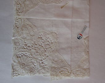 Vintage Off White Crocheted Lace Handkerchief Linen and Cotton, Block Freres Vintage Cream Lace Hankie, Wedding Vintage Hankie Cream Lace