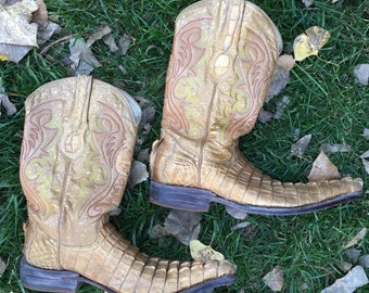 """On sale! Vintage """"Johnn Whaynee"""" Gold Colored Alligator Cowboy Boots Men's USA 8 / MEX 7"""