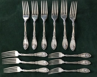 Set of 12 1881 Rogers 1908 Forks in the La Vigne Pattern