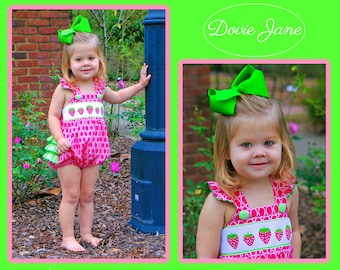 Strawberry Bubble, Strawberry Outfit, Smocked Girls Bubble, Baby Ruffle Bubble, Baby Ruffle Romper, Toddler Girl Bubble, Smocked Fast Ship