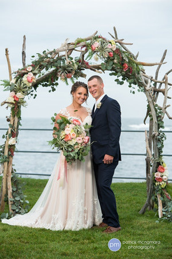 driftwood wedding arch arbor wedding chuppah beach. Black Bedroom Furniture Sets. Home Design Ideas