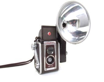 1950s Kodak Duaflex IV Camera With Flash Outfit - Brown