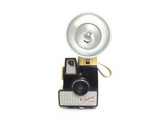 1960s Imperial Debonair Camera with Flash Outfit - Vintage Camera