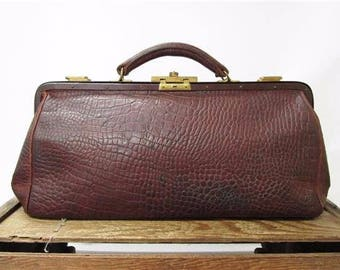Vintage 1930's Brown Leather Brass Clasp French Frame Gladstone Doctor Bag Purse