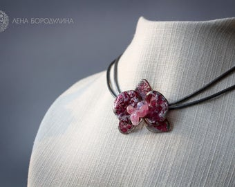 Necklace with lampwork orchid
