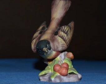 Royal Worcester Porcelain American Robin Bird Figurine Model No. 3647
