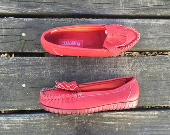 Shoes - Size 6.5 Red Leather Flats Loafers Mocassins Fringe Favorites Womens 6 1/2