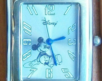 Disney Shareholders Mickey Mouse Watch New! Only Made One Year! Gorgeous! Marked Shareholders!