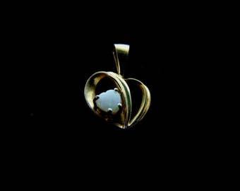 Vintage Estate 10K Gold Heart Pendant w/ Opal 1.0g #E1066