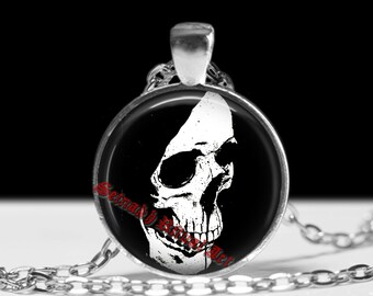 Skull necklace, Santa Muerte pendant, Saint Death amulet, Mexican Skull jewelry, occult jewellery, Death in capture fashion #444
