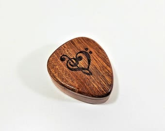 Personalized engraved Music Heart Guitar Pick box, Treble Clef Heart guitar pick box,gift for musician,musical gift,Bass Clef Heart Plectrum