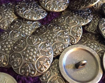 25mm silver buttons floral pattern