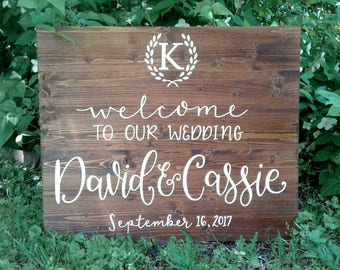 Welcome Wood Wedding Sign // Welcome To Our Wedding // Names and Date