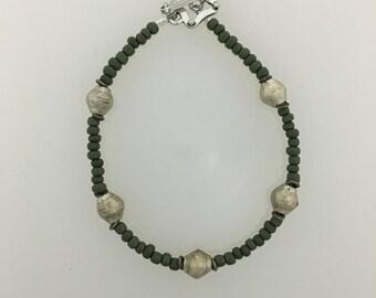 Vintage Bead Bracelet, Historical Bead Bracelet, Gift for Women, Dark Green Beaded Bracelet, Beaded Bracelet, Green Bead Bracelet, Vintage