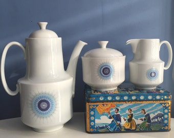 Midcentury Ceramic Coffee Pot Teapot Milk Jug and Sugar Bowl. Haute Porcelaine Berry France. Blue 1960s Retro Kitchen. Bavaria Meakin Style.
