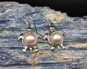 Sea Turtle Pearl Earrings // 925 Sterling Silver // Bali Design // Dangly Turtle Earrings // Pearl Turtle Earrings