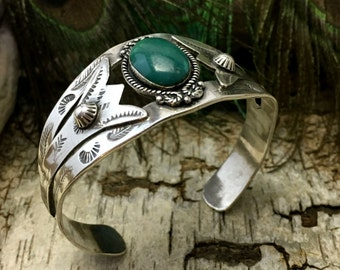 Vintage Turquoise Cuff Bracelet. Sterling Silver Stamped Bracelet. Southwestern Jewelry. Artisan Jewelry. Turquoise Cuff