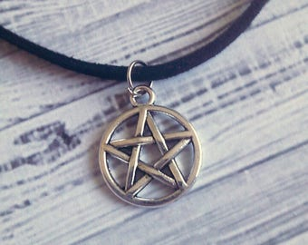 "Gothic Pentagram Wicca Choker Necklace 15"" - Choose Your Own Color"
