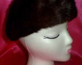 Vintage 1940's Carson Pirie Scott & Co FRENCH ROOM Mink Pill Box Hat