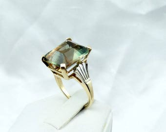 Fabulous Rare Red/Green 11.2 Carat Oregon Sunstone In A Vintage 1930's Era Art Deco 14K White/Yellow Gold Ring Size 6 1/4  #VINSUN-GR4