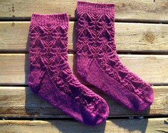 Caitlyn Lace Socks Knitting Pattern - Toe-Up - Instant Download PDF