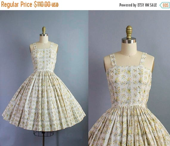 SALE 15% STOREWIDE 1950s floral sundress/ 50s muted palette flower dtripe dress/ extra small xs