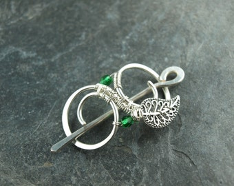 Hairclip, wire work, green bead