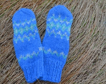 Hand knit mittens,Chunky knit mittens,wool gloves,outwear,ski wear,winter wear,Iceland hand knit,wool mittens,ready to ship,size M,gloves