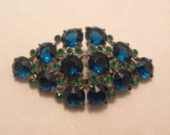 Vintage Signed Coro Teal Green Stone Duette Brooch Dress Clips in Silver Tone