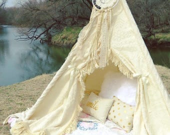 Vintage Chenille Teepee with Dreamcatcher, White Teepee, Teepee, Play Tent, Teepee Tent, Play Teepee, Kids Teepee, Girls Teepee, Tipi