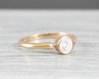 Bague de fiançailles diamant solitaire à la main en 14 carats rose or art déco inspiré