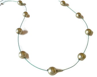 Necklace long green beads