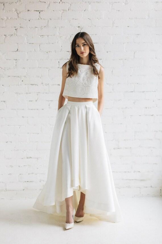 Kleid mit oben spitze