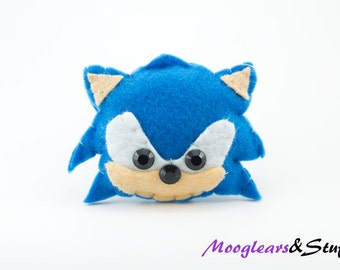 Sonic the Hedgehog Hanging Ornament / Decoration / Accessory / Small Gift / Pin badge