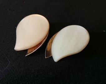 Vintage Germany Mother Of Pearl Silver Teardrop Clip On Earrings