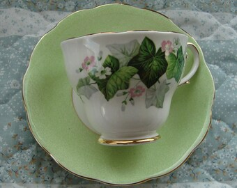 Royal Standard - Fine Bone China England - Vintage Tea Cup and Saucer - Green Ivy with Pink and White Flowers with Gold Trim