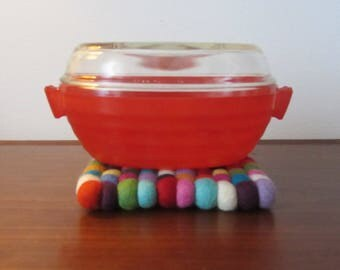 PHOENYX - Oval cheery red sprayware glass Casserole Serving Dish with clear Lid -  Made in England - 1950s