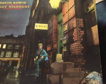 "David Bowie ""Ziggy Stardust and the Spiders from Mars"" Vinyl LP Record Rare Excellent Condition!"