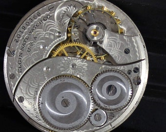 Pocket Watch Movement, c. 1918 Elgin 12s with a beautiful etched finish for parts repair or jewelry making supply (#PW15)