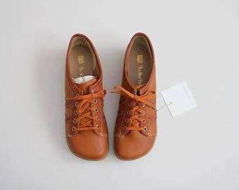 70s platform sneakers | vegan oxfords | size 8.5 shoes