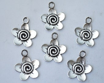 8 Pcs Flower Charms Antique Silver Tone 2 Sided 18x22mm - YD1664