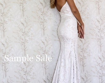 Lace Wedding dress/ SAMPLE SALE/ Simple wedding dress/ Strapless sweetheart neckline wedding dress.