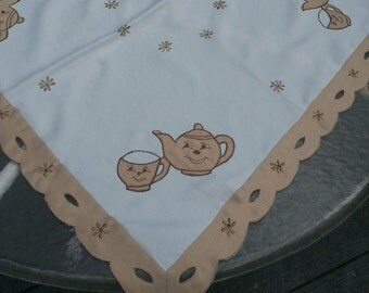 Table Topper, Tablecloth, 33 inches square, teapot tablecloth, vintage tablecloth
