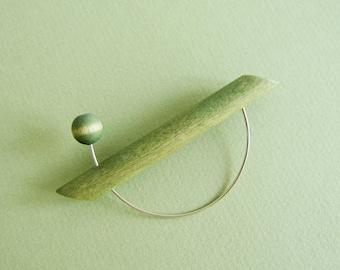 AARIKKA, light green wooden brooch | funky jewelry, geometric brooch, metal wire jewelry, minimalist brooch, modern brooch | made in Finland