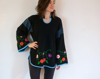 SALE! Vintage Bell Sleeve Sweater Embroidered Flowers
