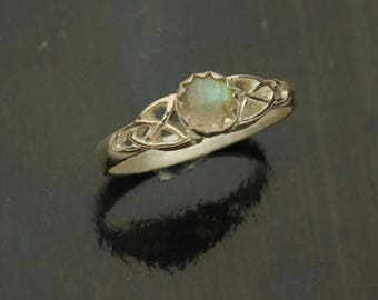 Labradorite Silver Ring, Blue Sheen, Celtic Design Sterling Silver Ring